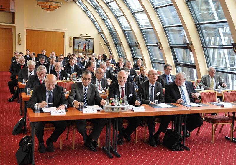 Geladene Gaeste und Journalisten der PK ZDS 19.11.2014 (8)