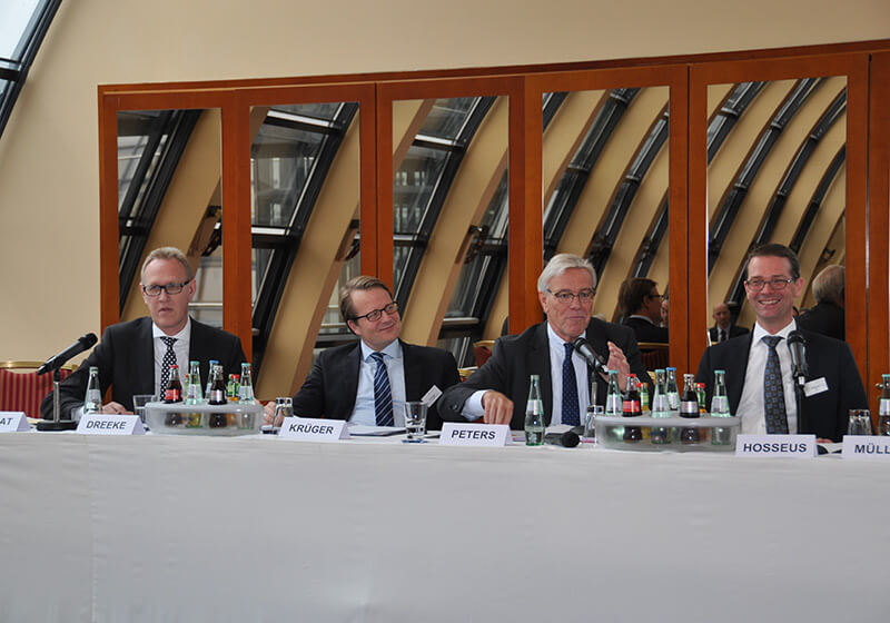 Herr Dreeke, Herr Krüger, Herr Peters, Herr Hosseus